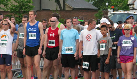2015 St. Louis Make Tracks for the Zoo pre-race line-up