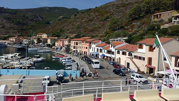 Capraia Isola - Tuscan island - Port
