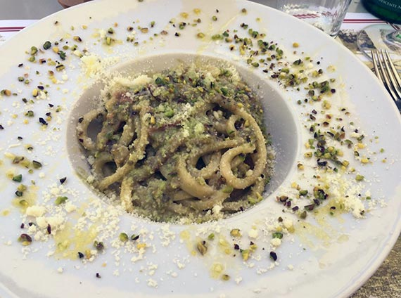 Pane e Olio in Bracciano - Pici pasta with pistachio and pork cheek