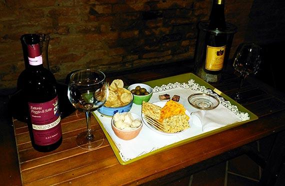1997 Poggio di Sotto Brunello and snack tray at Casa Bolsinina
