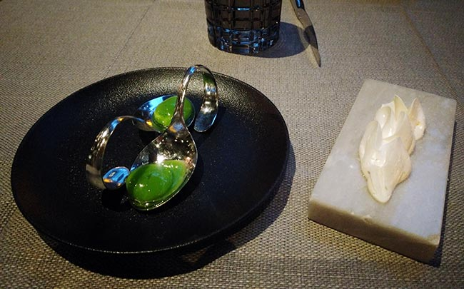 Budapest - molecular sphere starter at Caviar & Bull