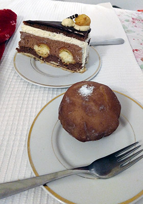 Hallstatt / Bad Ischl - Zauner bakery's Sissy cake and Marzipan ball