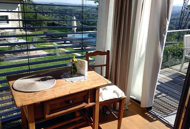 Südsteiermark - Weingut Tement's Chalet Ciringa - our breakfast nook